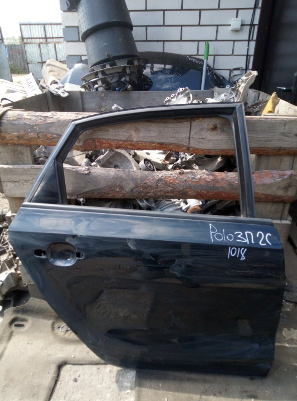 Дверь Volkswagen Polo СЕДАН CFN 2013 задняя правая (б/у)