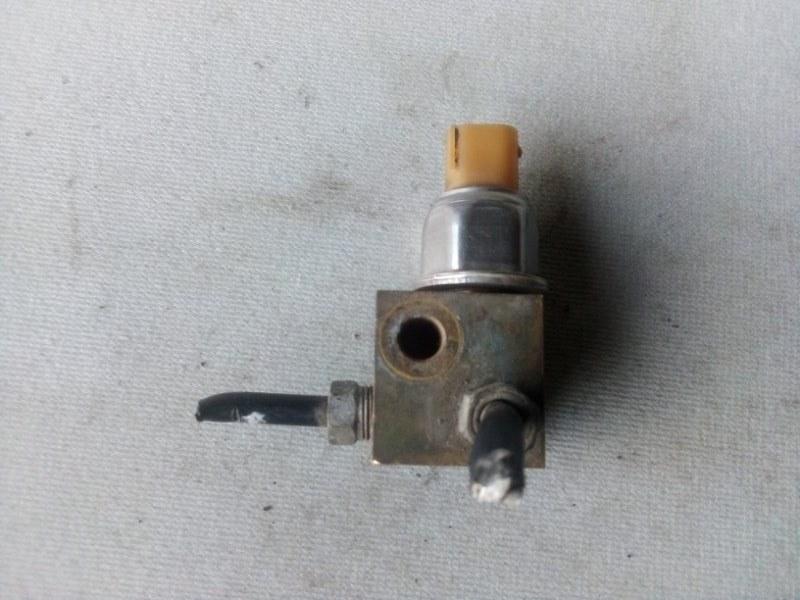 Датчик давления тормозной жидкости Nissan X-Trail 2.5 2005 (б/у)