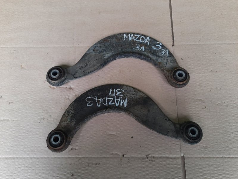 Рычаг поперечный Mazda 3 задний (б/у)