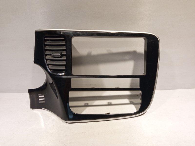 Рамка магнитолы Mitsubishi Outlander 3 4B11 2013 (б/у)