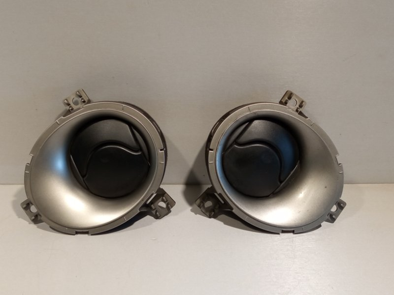 Дефлектор воздуха Nissan Juke HR16 2011 (б/у)