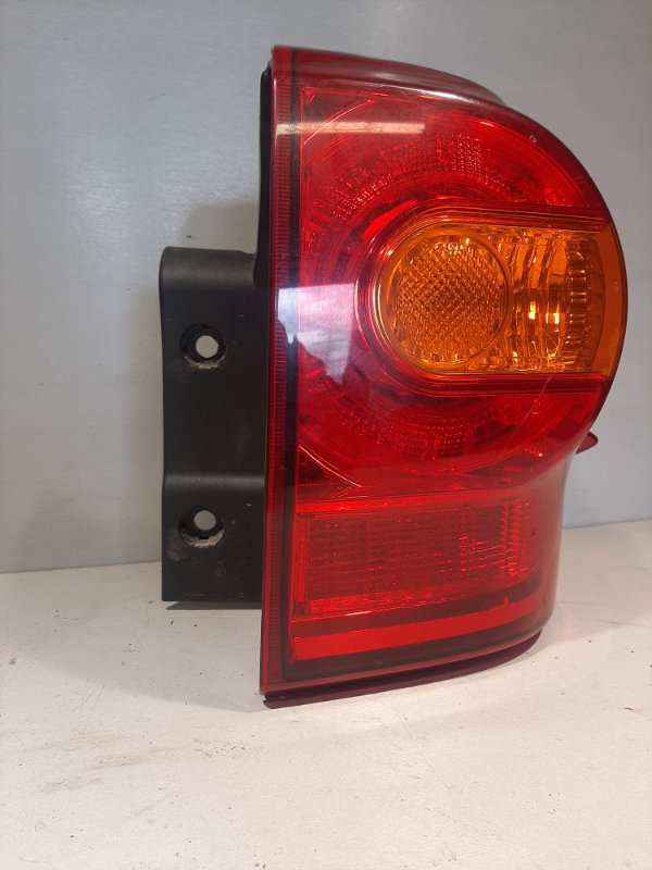 Фонарь Toyota Land Cruiser 200 задний правый (б/у)