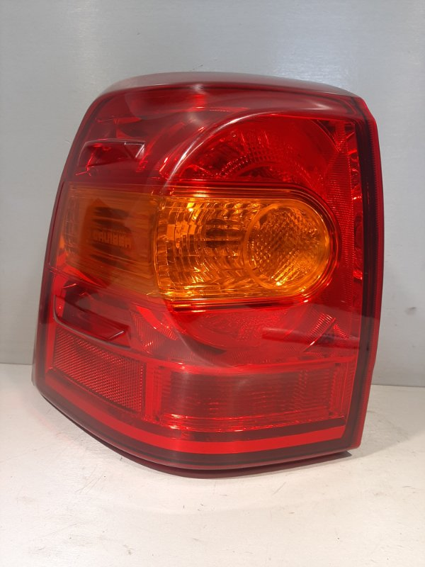 Фонарь Toyota Land Cruiser 200 задний левый (б/у)