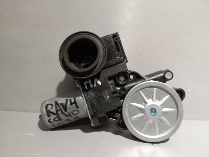 Мотор стеклоподъемника Toyota Rav 4 Ca 40 2AR-FE 2016 передний левый (б/у)