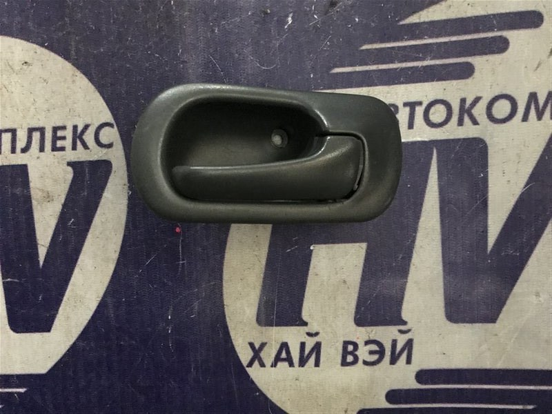 Ручка двери внутренняя Honda Civic Ferio EK3 D15B 1997 передняя правая (б/у)