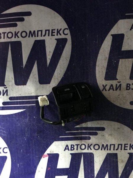 Кнопка открывания багажника Nissan Laurel HC35 RB20DE 2000 (б/у)