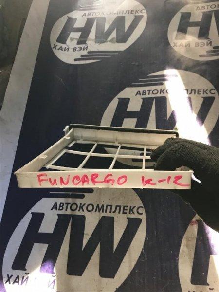 Рамка салонного фильтра Toyota Funcargo NCP20 1NZ 2000 (б/у)