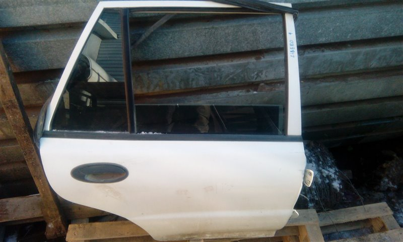 Дверь Mitsubishi Libero CB1A 4G13 задняя правая (б/у)