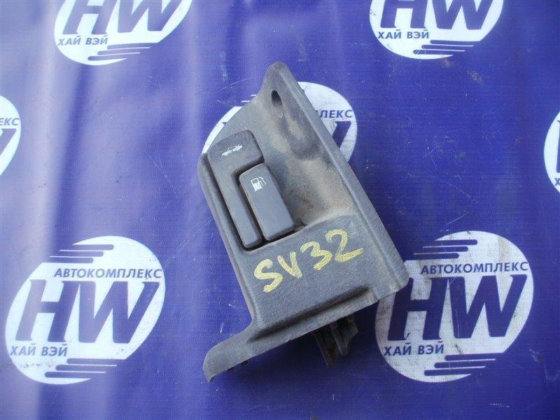 Ручка открытия багажника Toyota Vista SV32 (б/у)