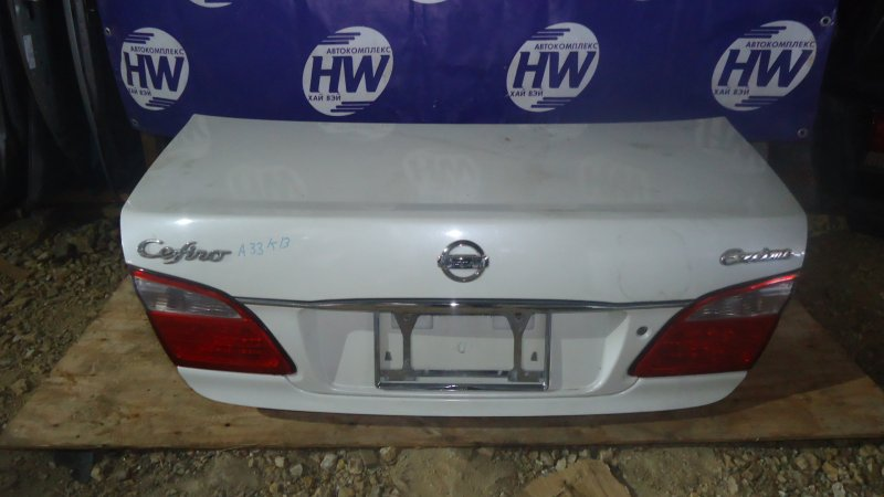 Крышка багажника Nissan Cefiro A33 VQ20 (б/у)
