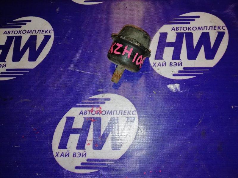 Отбойник Toyota Hiace LH178 (б/у)