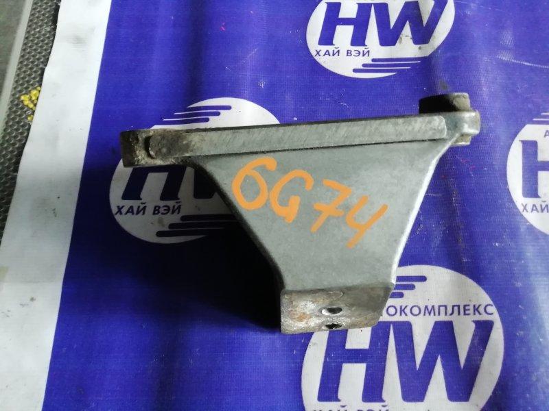Крепление подушки двс Mitsubishi Pajero V75W 6G74 2001 (б/у)