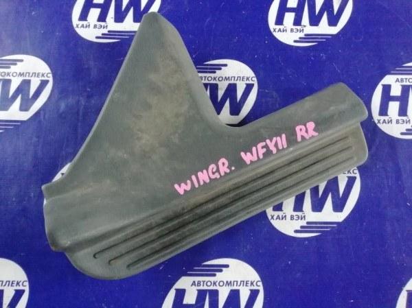 Порожек пластиковый Nissan Wingroad WFY11 QG15 1999 задний правый (б/у)