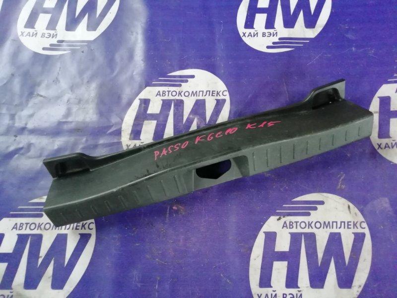Накладка замка багажника Toyota Passo KGC10 1KR (б/у)