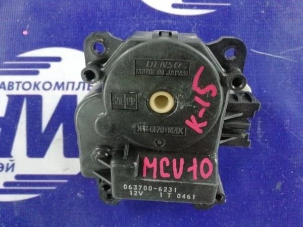 Моторчик привода заслонок печки Toyota Harrier MCU10 1MZ (б/у)