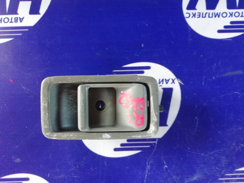 Ручка двери внутренняя Mazda Bongo SK82 F8 передняя правая (б/у)
