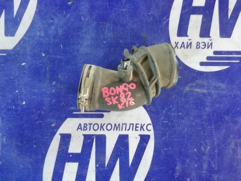 Патрубок воздушного фильтра Mazda Bongo SK82 F8 (б/у)