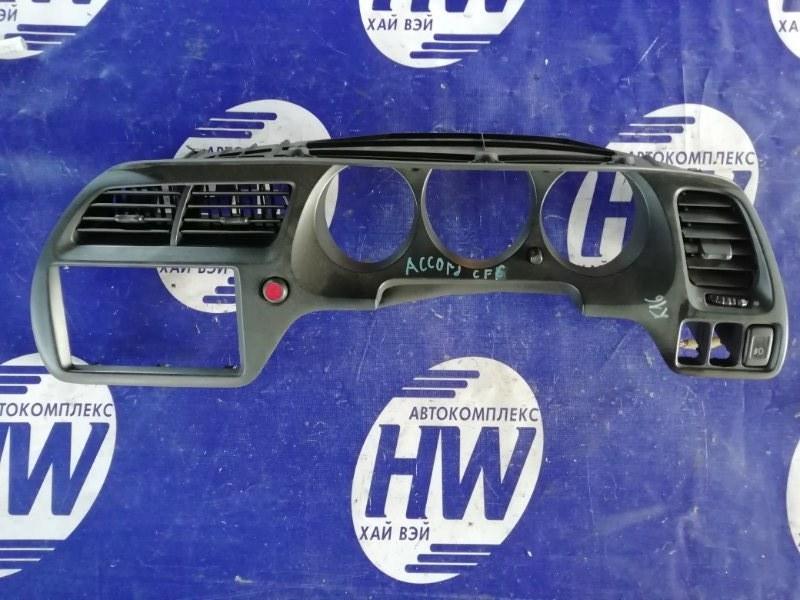 Консоль магнитофона Honda Accord CF6 F23A (б/у)