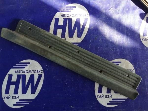 Порожек пластиковый Isuzu Bighorn UBS25 6VD1 1993 передний правый (б/у)