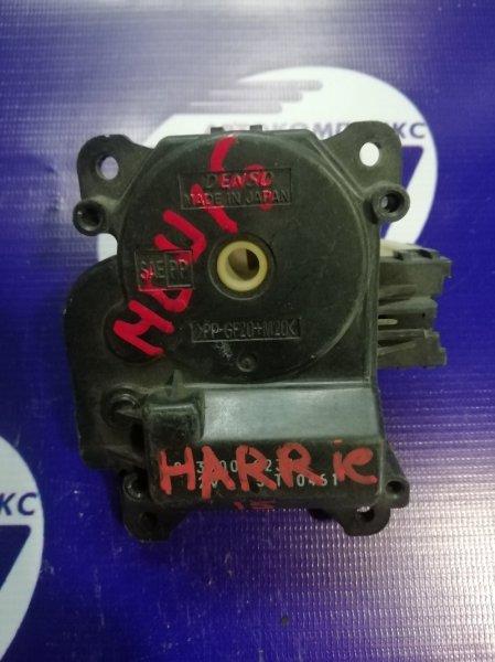 Моторчик привода заслонок печки Toyota Harrier MCU15 1MZ (б/у)