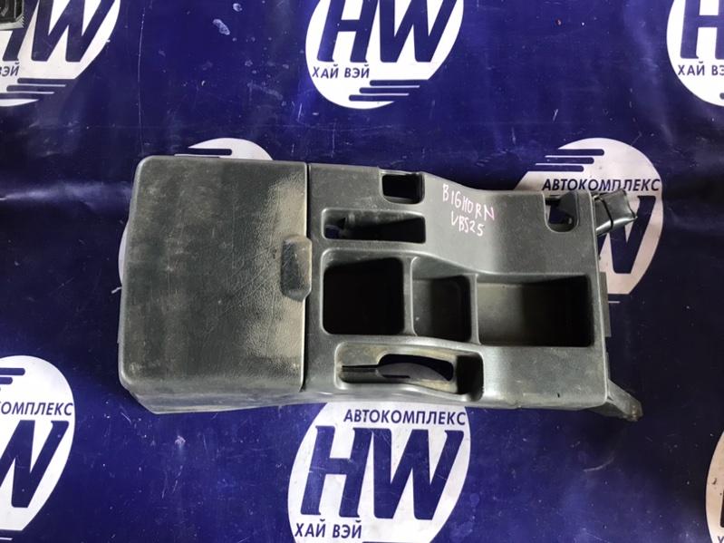 Бардачок между сидениями Isuzu Bighorn UBS25 6VD1 (б/у)