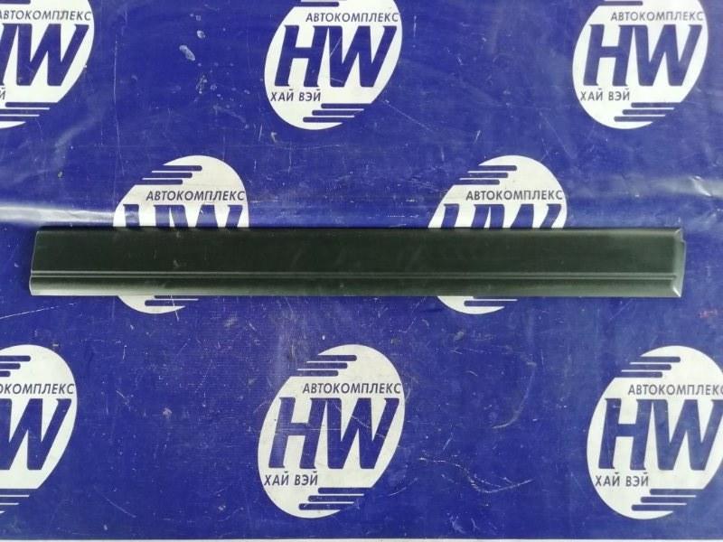 Молдинг на дверь Toyota Sprinter Carib AE115 7A 1997 передний правый (б/у)