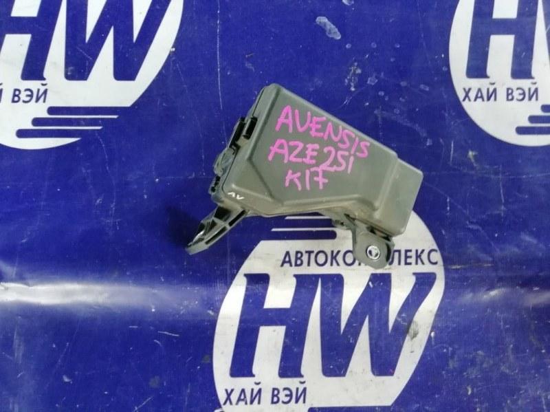 Блок предохранителей Toyota Avensis AZT251 2AZFSE (б/у)