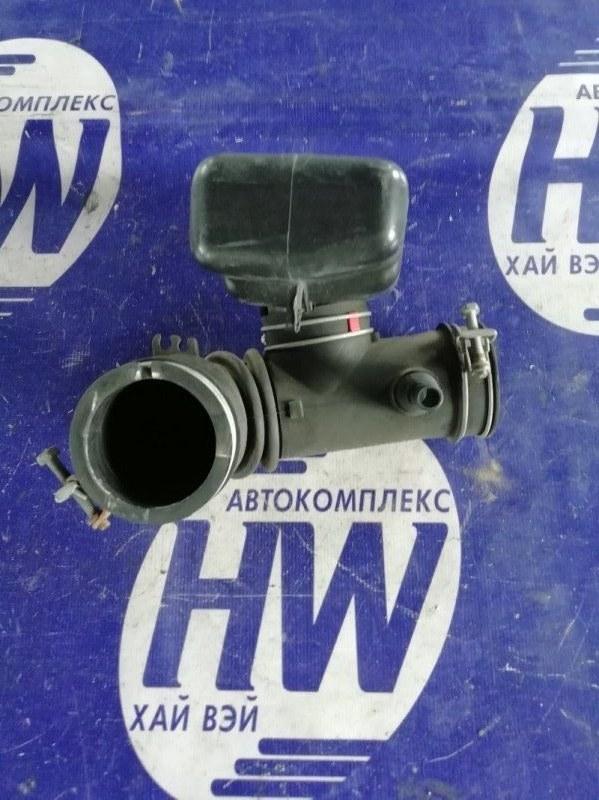 Патрубок воздушного фильтра Toyota Rav4 SXA10 3SFE (б/у)
