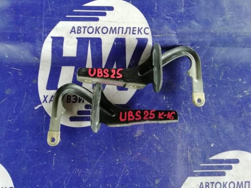 Петля капота Isuzu Bighorn UBS25 6VD1 (б/у)