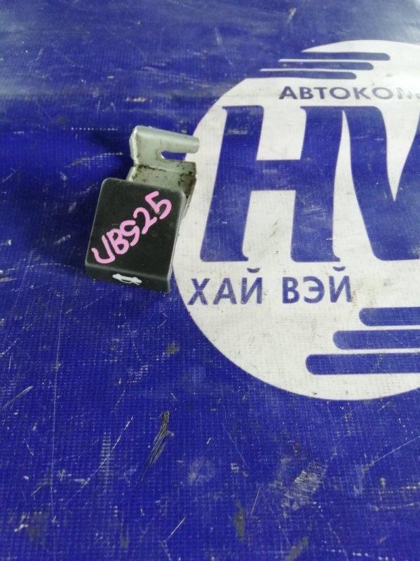 Ручка открытия капота Isuzu Bighorn UBS25 6VD1 1993 (б/у)