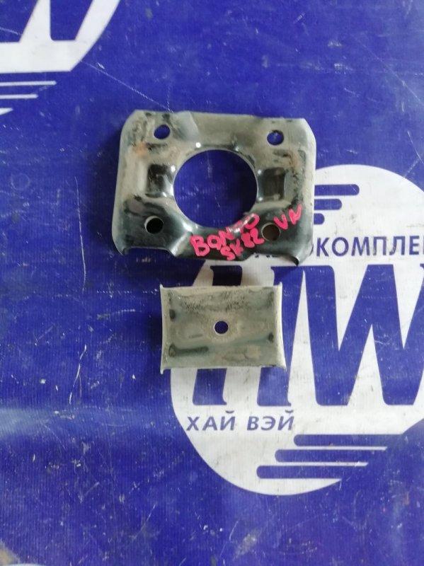 Крепление рессоры Mazda Bongo SK82VN F8 (б/у)