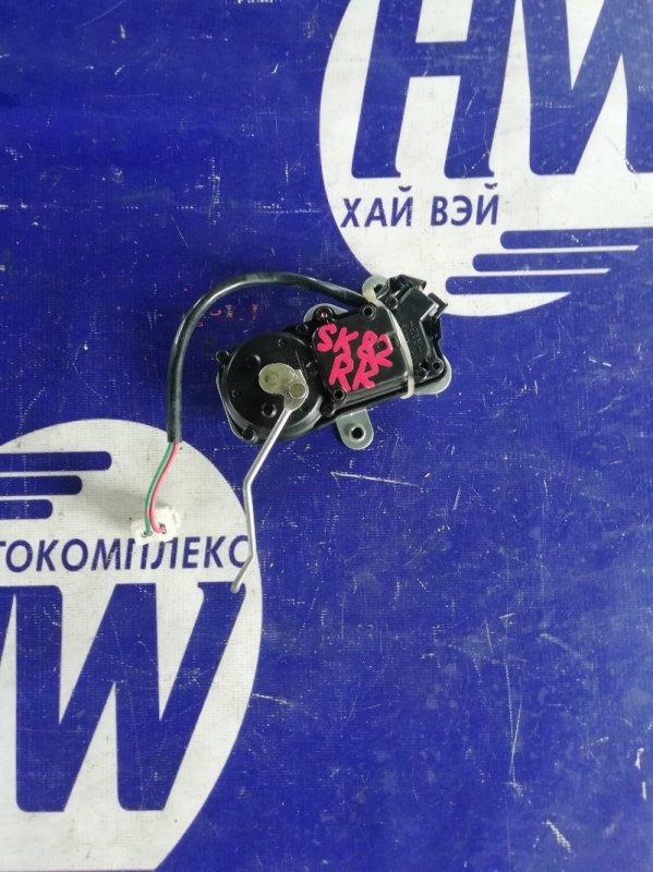 Активатор Nissan Vanette SK82 F8 задний правый (б/у)
