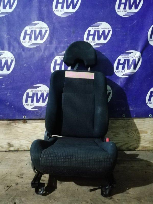 Сидение Honda Hr-V GH3 D16A 2003 переднее правое (б/у)