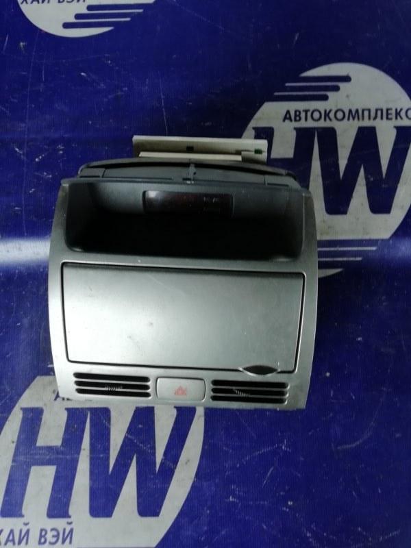 Бардачок Nissan Wingroad WFY11 QG15 2003 (б/у)