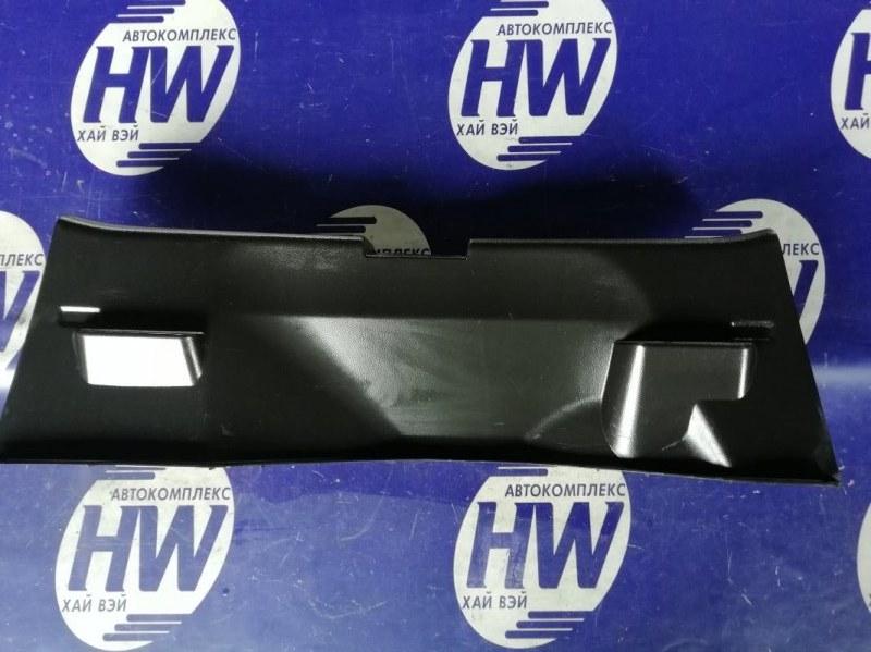 Накладка замка багажника Suzuki Swift ZC72S K12B 2011 (б/у)