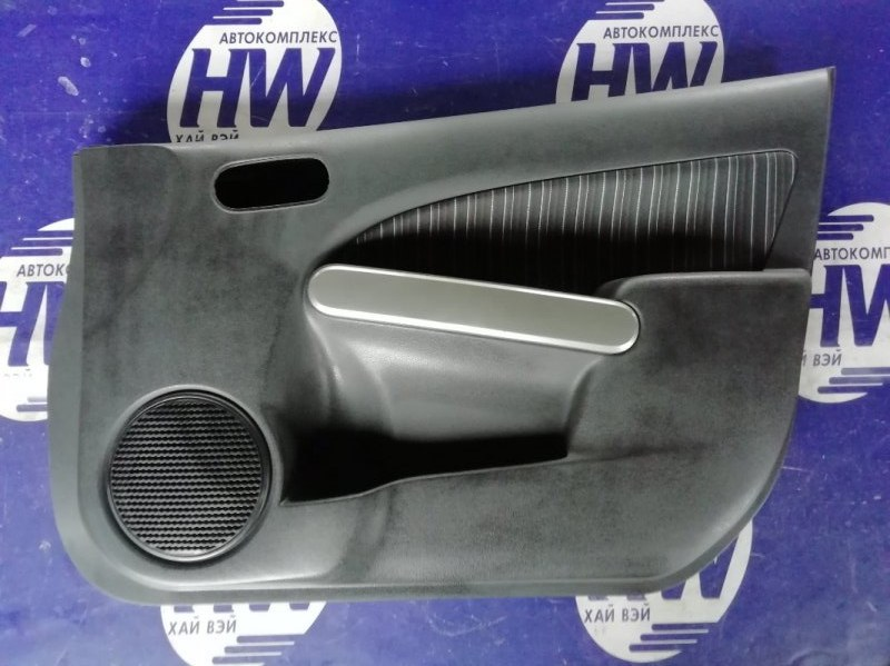 Обшивка двери Mazda Demio DE3FS ZJ передняя правая (б/у)