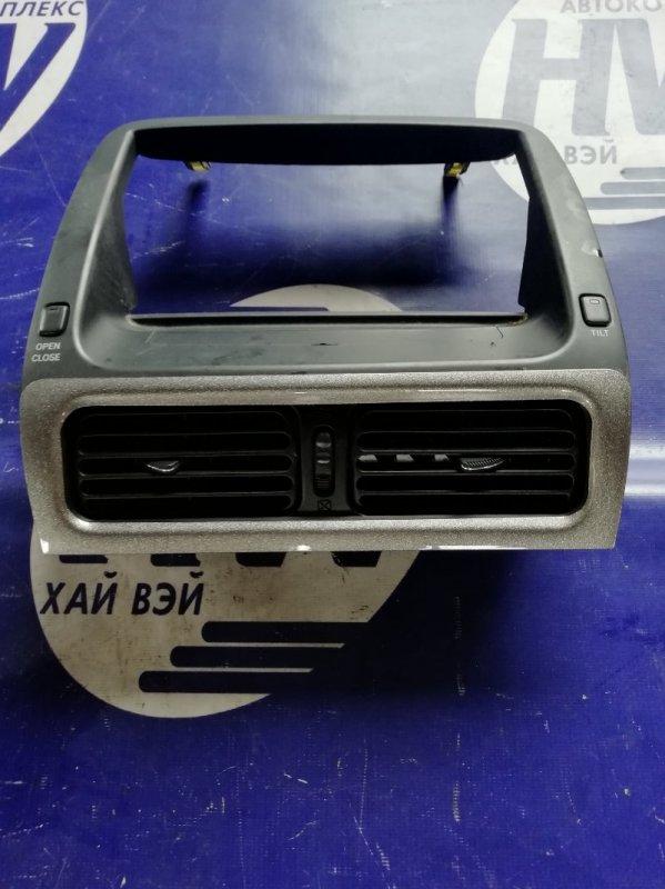 Консоль магнитофона Toyota Altezza SXE10 3SGE (б/у)