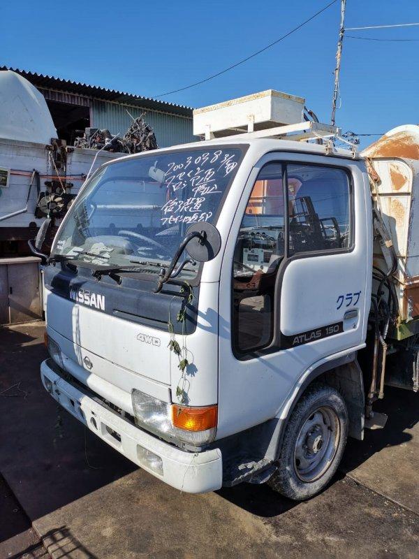 Кабина Nissan Atlas P8F23 TD27 (б/у)