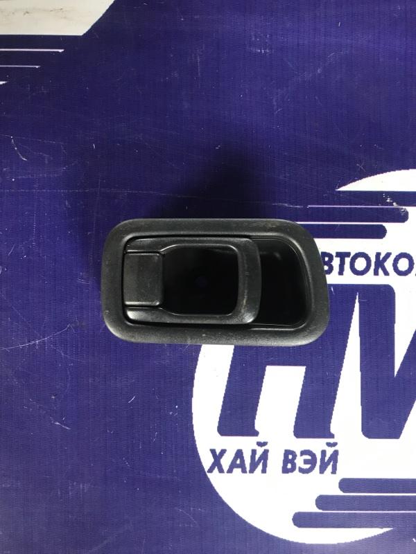 Ручка двери внутренняя Nissan Caravan SGE25 QR25 передняя правая (б/у)