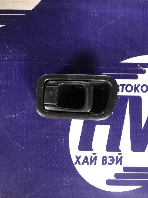 Ручка двери внутренняя Nissan Caravan SGE25 QR25 передняя левая (б/у)