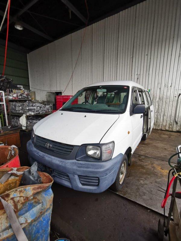 Ноускат Toyota Noah CR42 3CE (б/у)