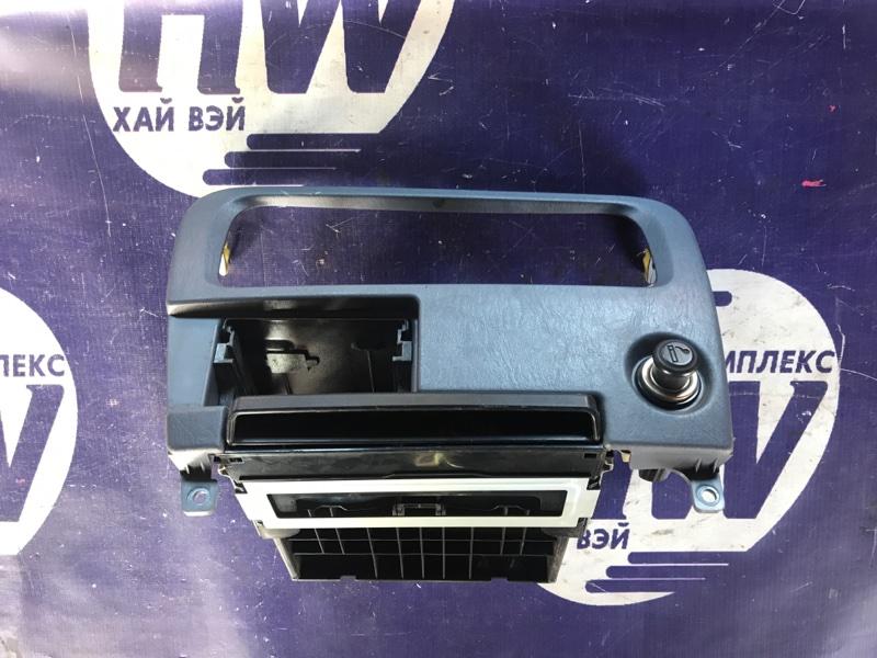 Консоль магнитофона Toyota Noah CR42 3CE (б/у)