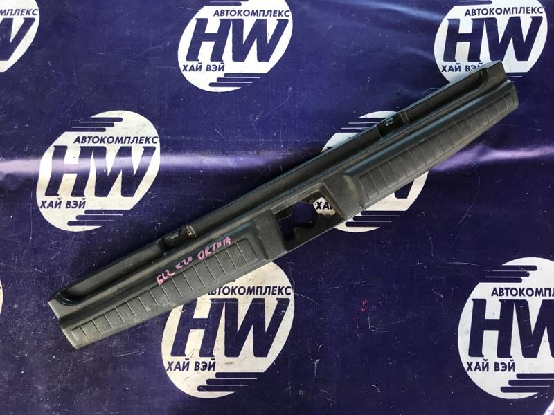 Накладка замка багажника Honda Orthia EL2 B20B (б/у)