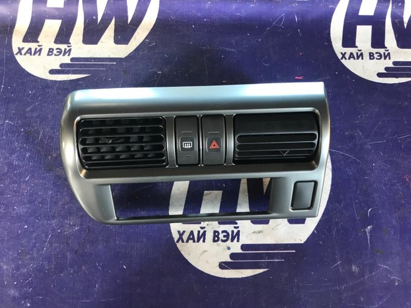 Консоль магнитофона Nissan R'nessa N30 SR20 2000 (б/у)