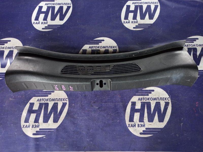 Накладка замка багажника Honda Fit GE6 L13A 2008 (б/у)
