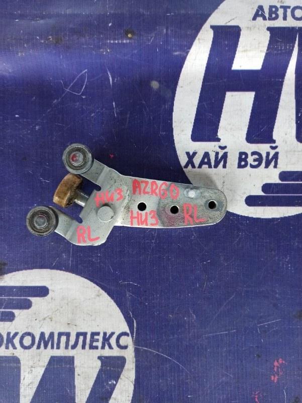 Ролик раздвижной двери Toyota Voxy AZR60 1AZ левый нижний (б/у)