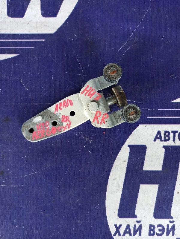 Ролик раздвижной двери Toyota Voxy AZR60 1AZ правый нижний (б/у)
