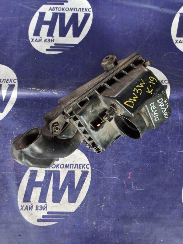Корпус воздушного фильтра Mazda Demio DW3W B3 1997 (б/у)