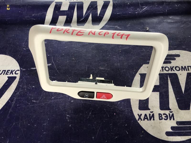 Консоль магнитофона Toyota Porte NCP141 1NZ (б/у)