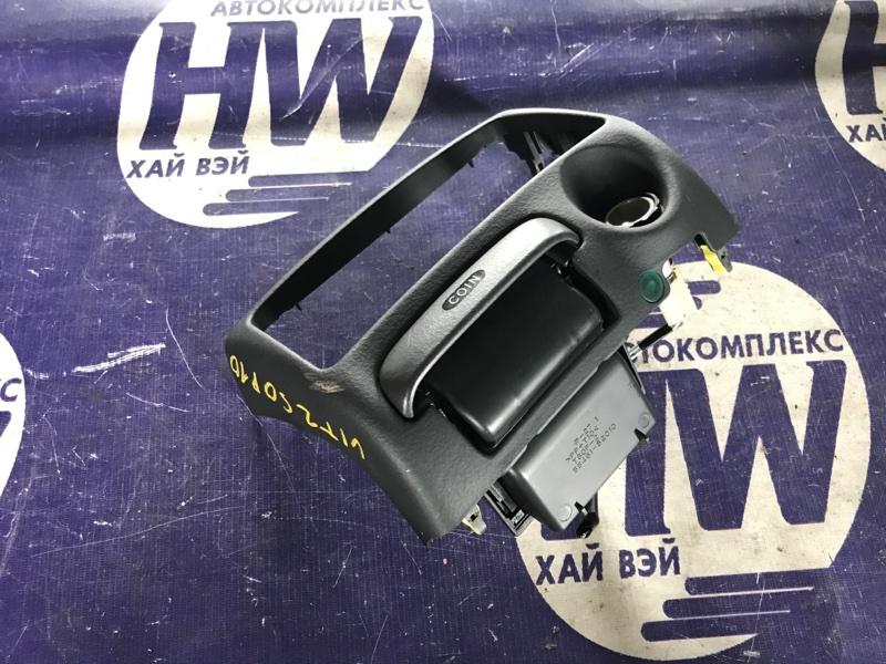 Консоль магнитофона Toyota Vitz SCP10 1SZ (б/у)